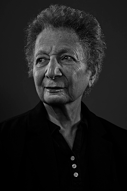פלו אורבך נולד ב -1937, בגדאד עירק הגיע בקנדה, 1964