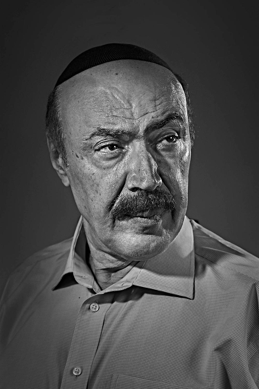 זאקי גביטיאן נולד בשנת 1951, איספהאן איראן, הגיע לקנדה, 1970
